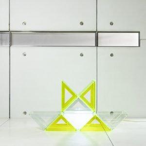 neon lamp, geometrical lamp, personalized lamp, modular lamp, lámpara de neón, lámpara geométrica, lámpara personalizada, lámpara modular, lampada al neon, lampada geometrica, lampada personalizzata, lampada modulare